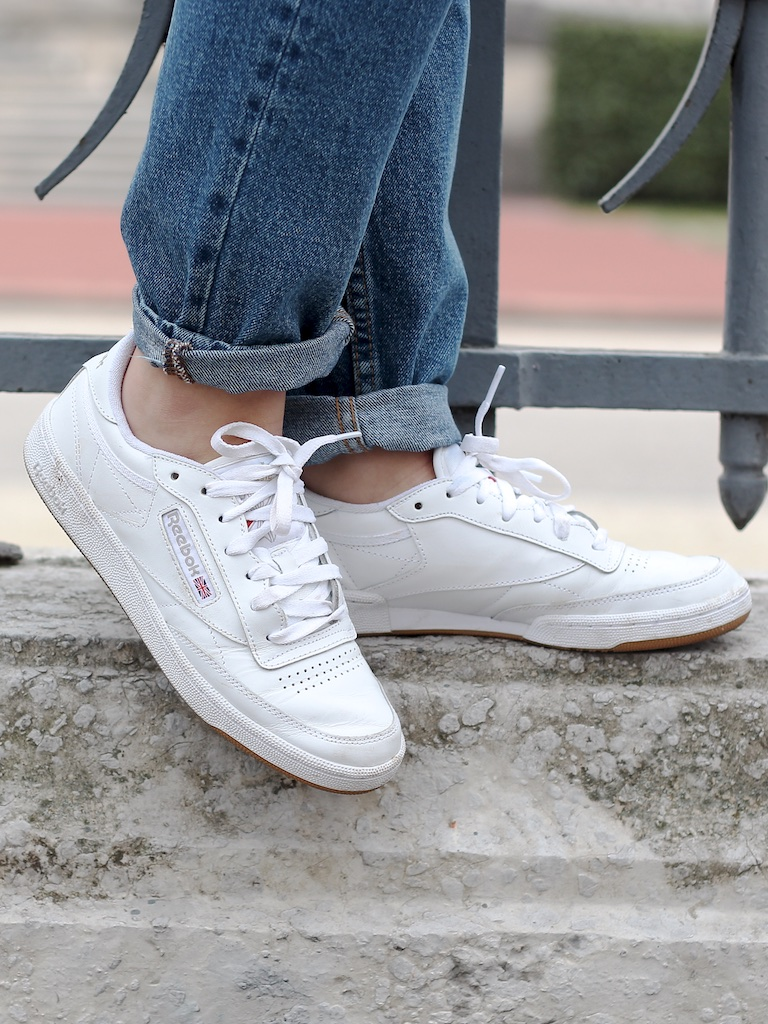 Look sweat zara Social Media Mom Jean Vintage Reebok Club C85 blanches - Mange Brille Aime