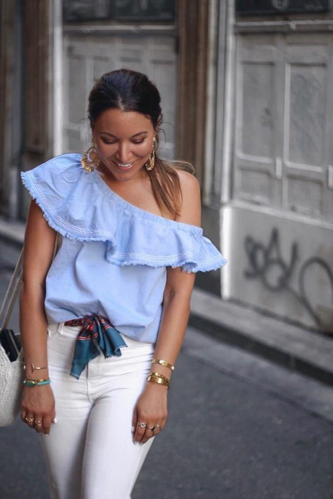Look top à volant HM jean taille haute blanc Zara - Mange Brille Aime