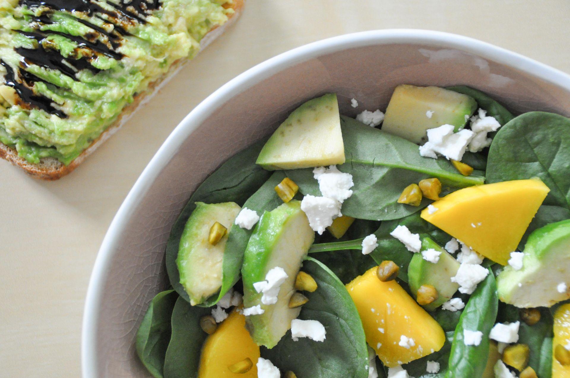Salade d'épinards sucrée salée